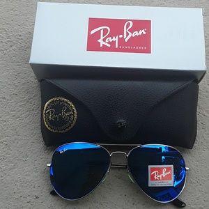 Brand New Blue RayBan Aviators 62mm Never Worn